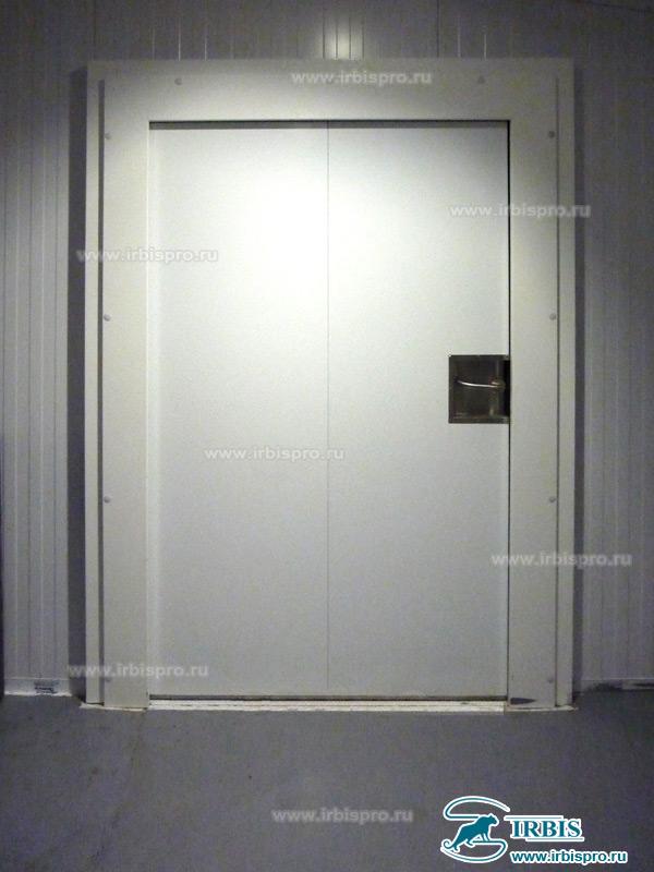 Распашная холодильная дверь EI45