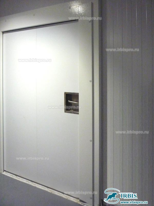 Противопожарная дверь Ирбис среднетемпературной камеры